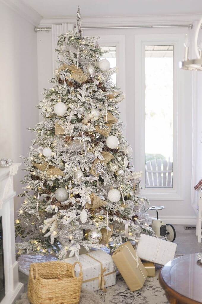 Rustic farmhouse Christmas tree decor