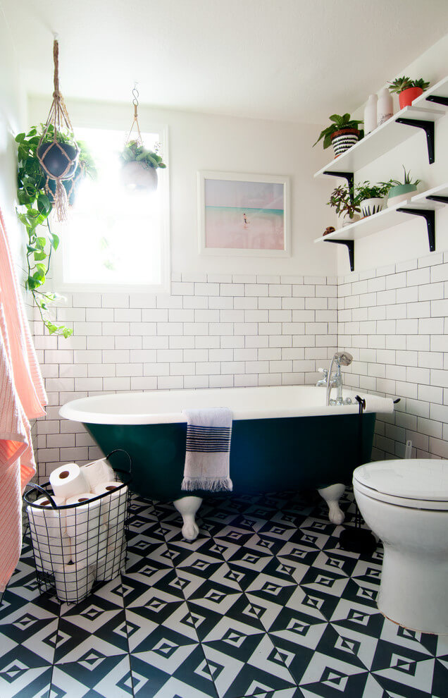 Fresh and bright eclectic bathroom
