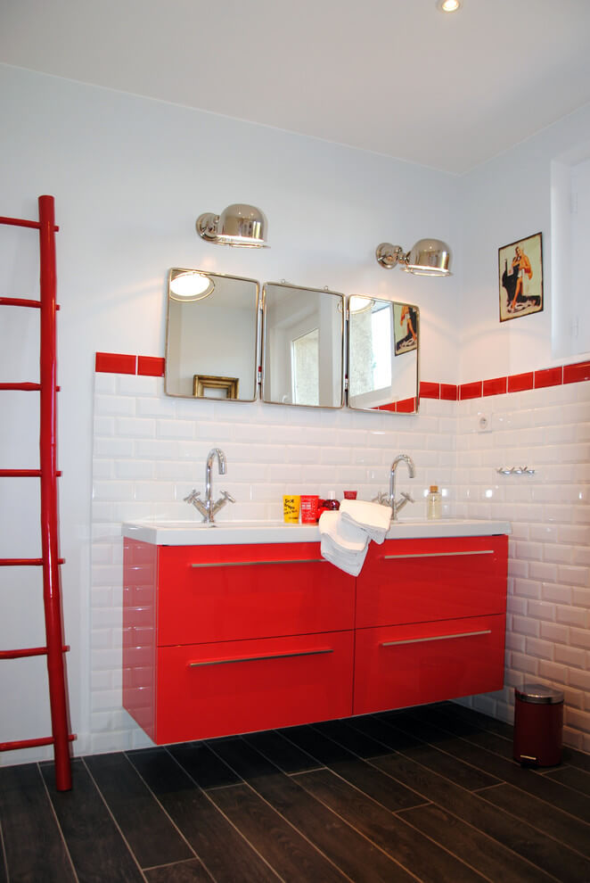 Modern style bathroom decor
