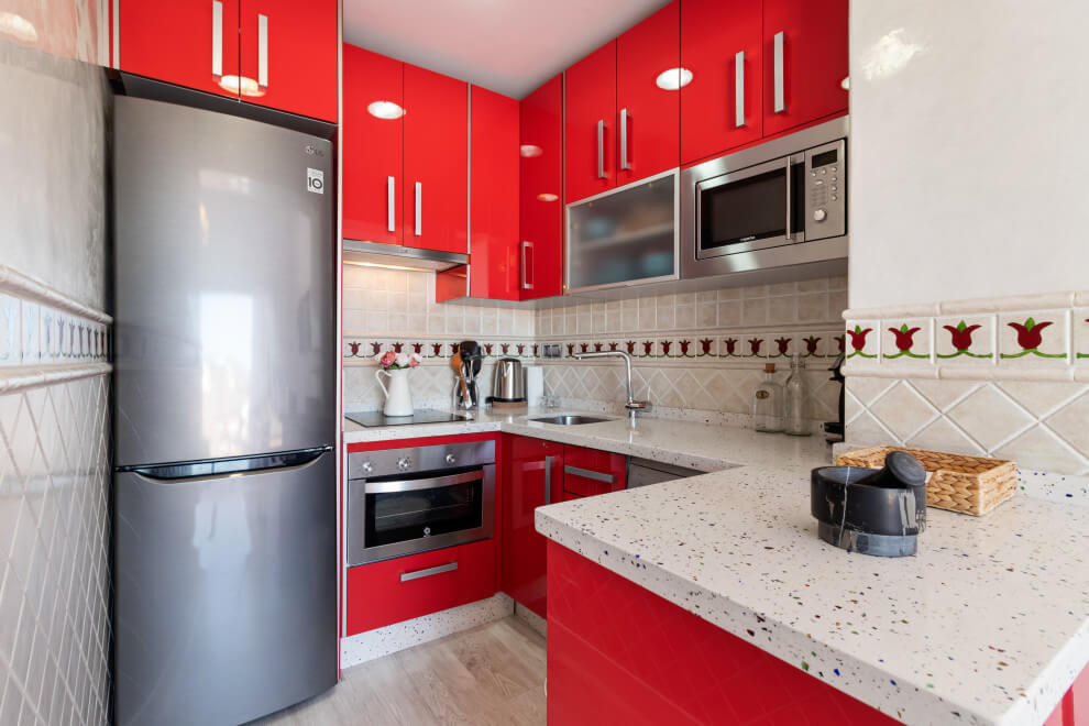 Compact red kitchen design