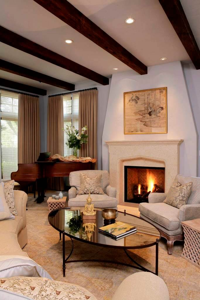 Elegant and warm traditional decor