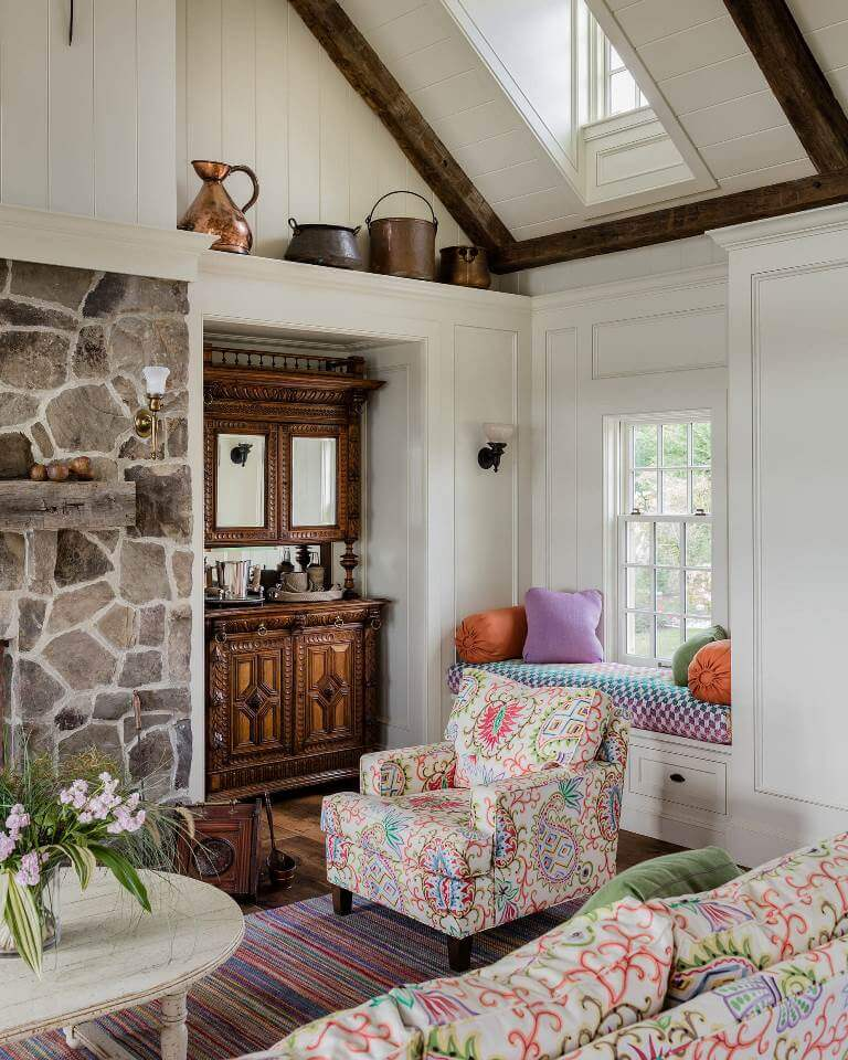 Vibrant traditional living room design