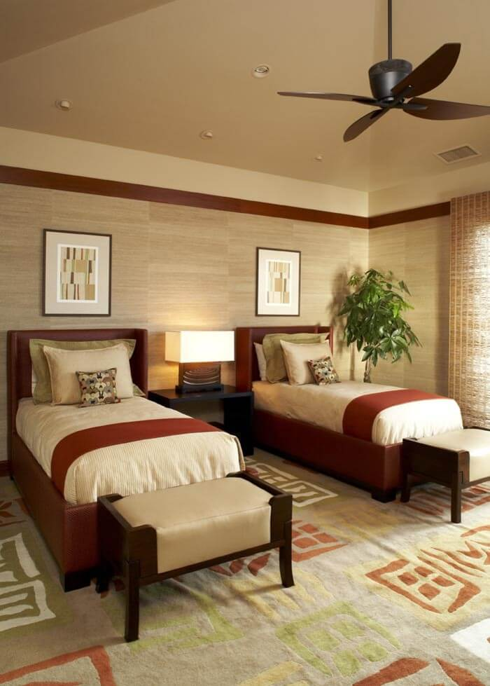 Twin room with soothing décor