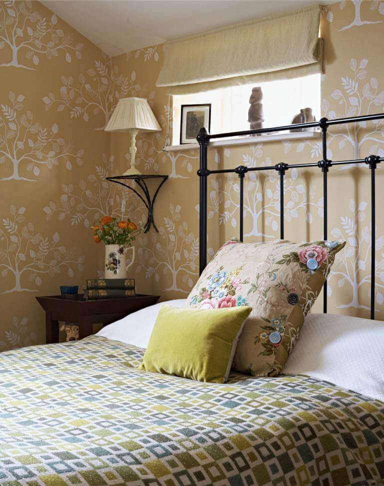 Backgrounds and patterns in bedroom decor
