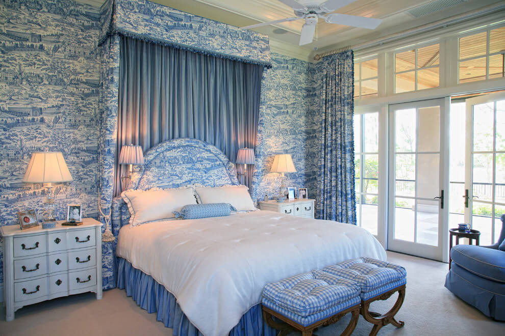 Toile wallpaper blue and white bedroom