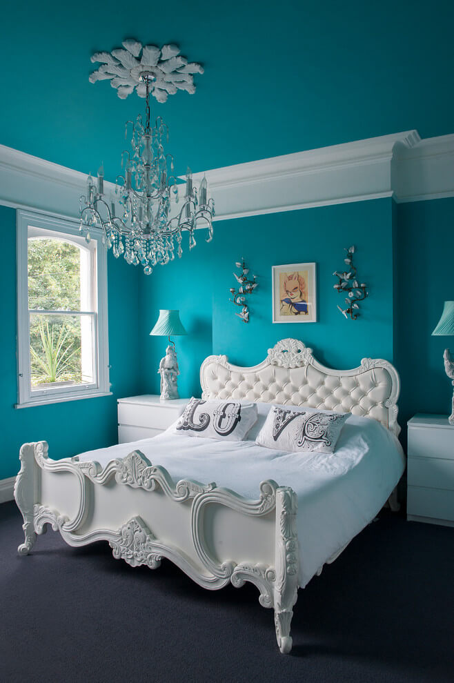 Bold blue and white bedroom decor