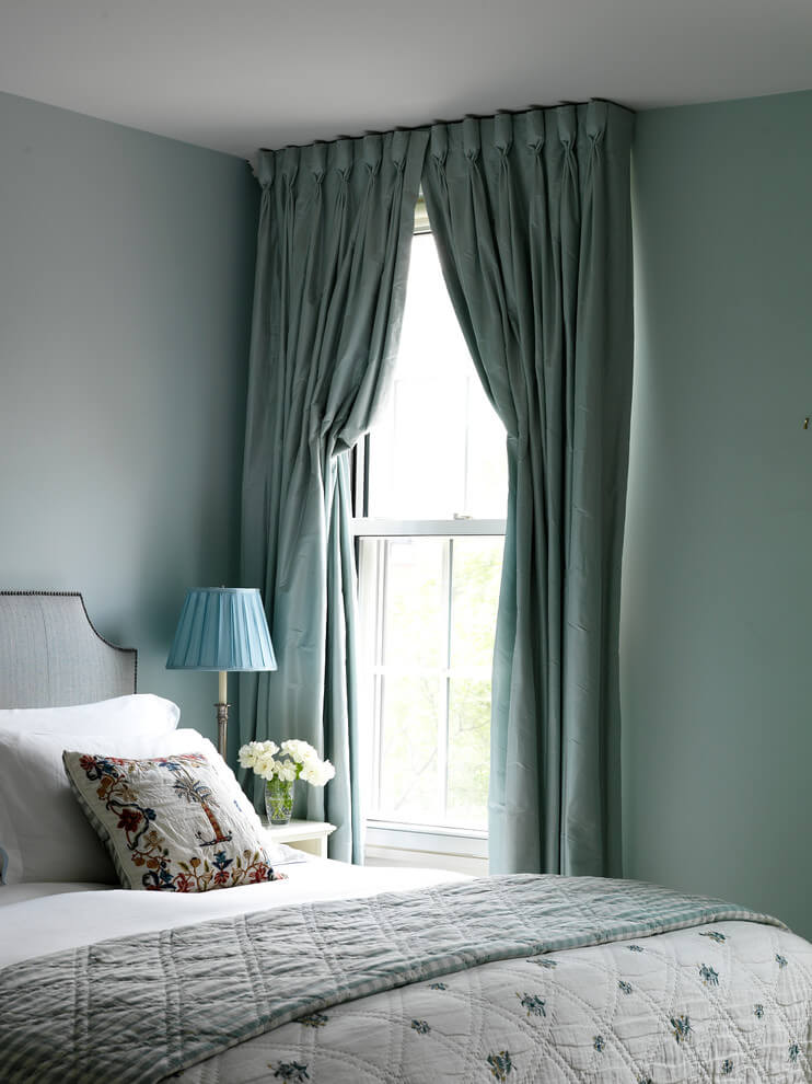 Light Pastel Screen Bedroom Decor