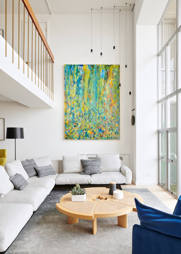 Colorful accents in the living room