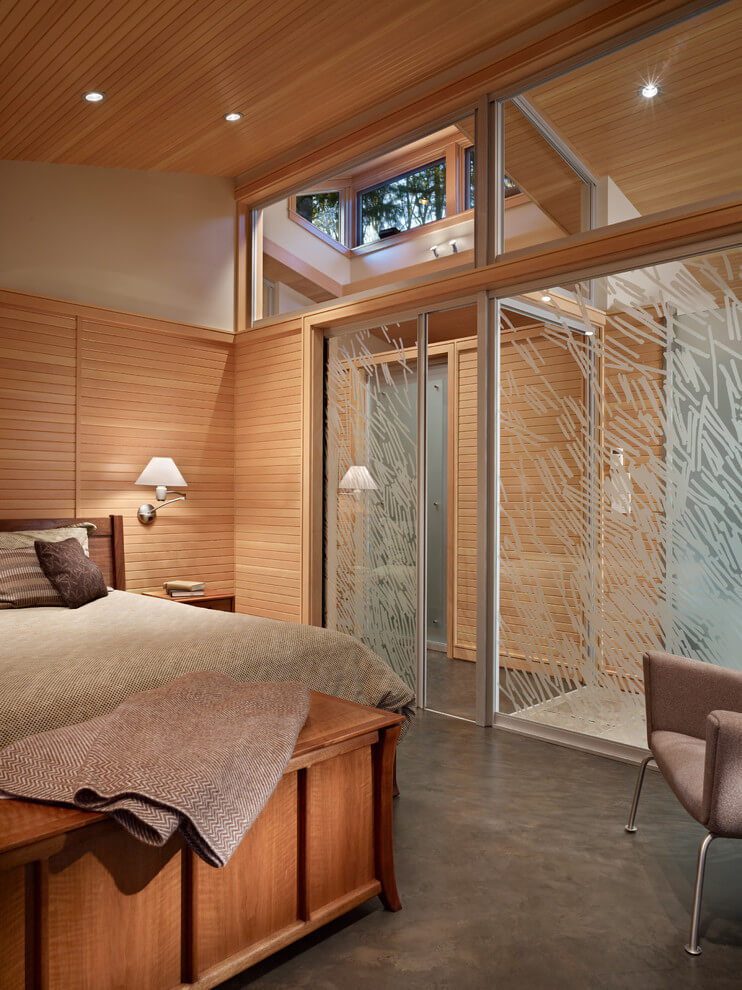 Natural materials soothing bedroom design