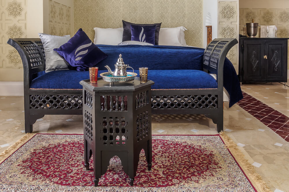 Simple layout Moroccan bedroom design