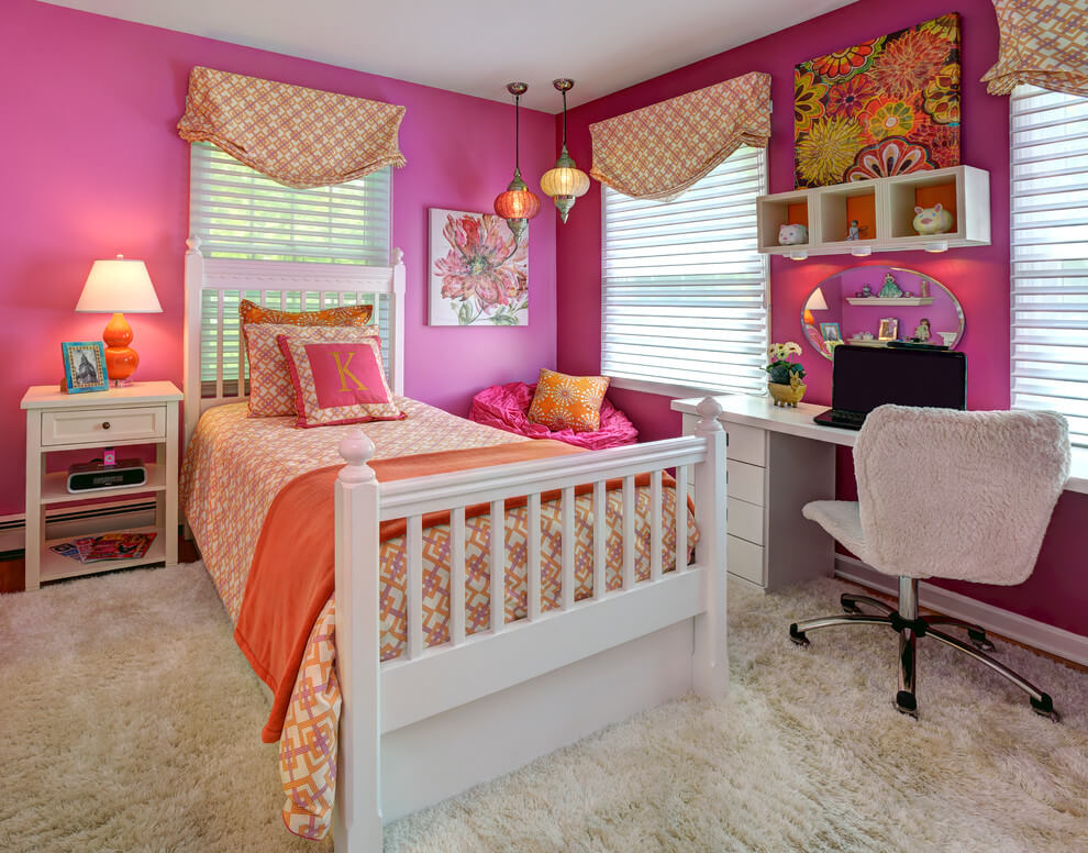 Pink bedroom with Moroccan touch