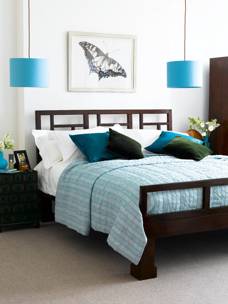 Soothing blue tones bedroom design