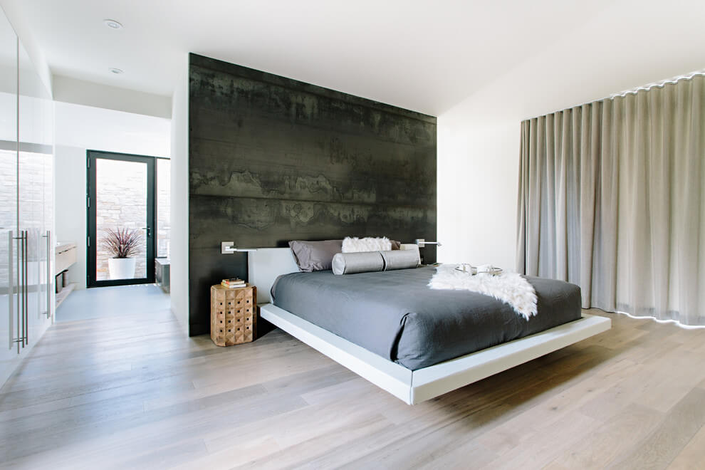 Grand Modern Bedroom Decor