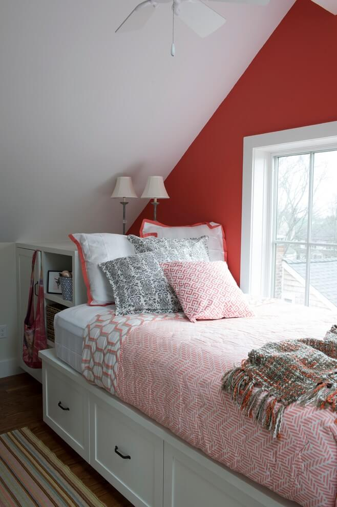 Bedroom decor with small bed