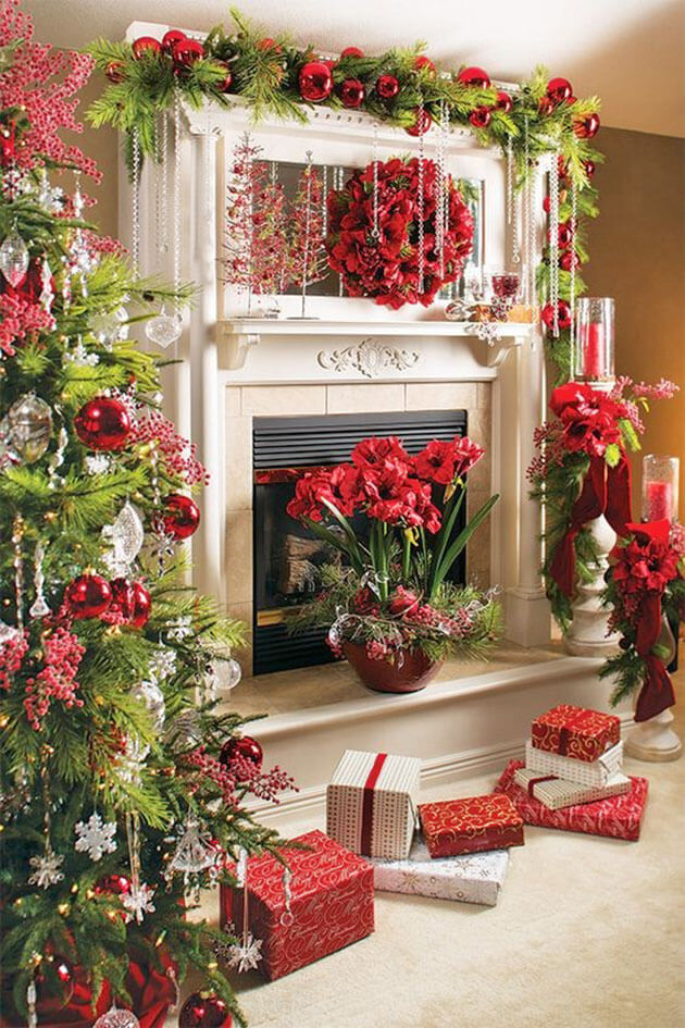 Festive red green Christmas decoration