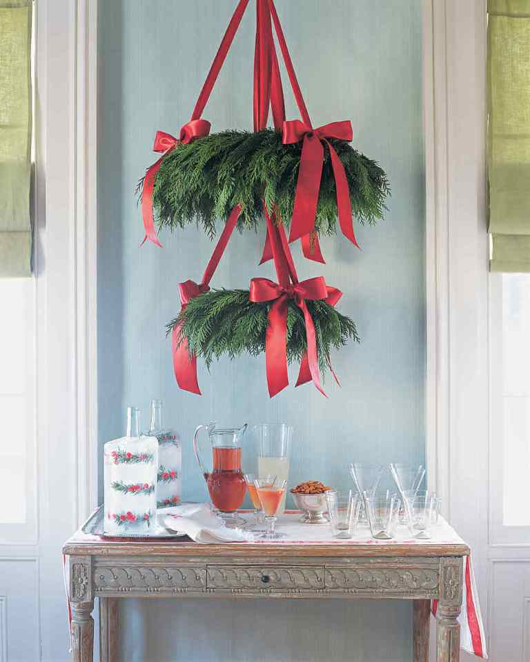 Traditional red-green natural chandelier