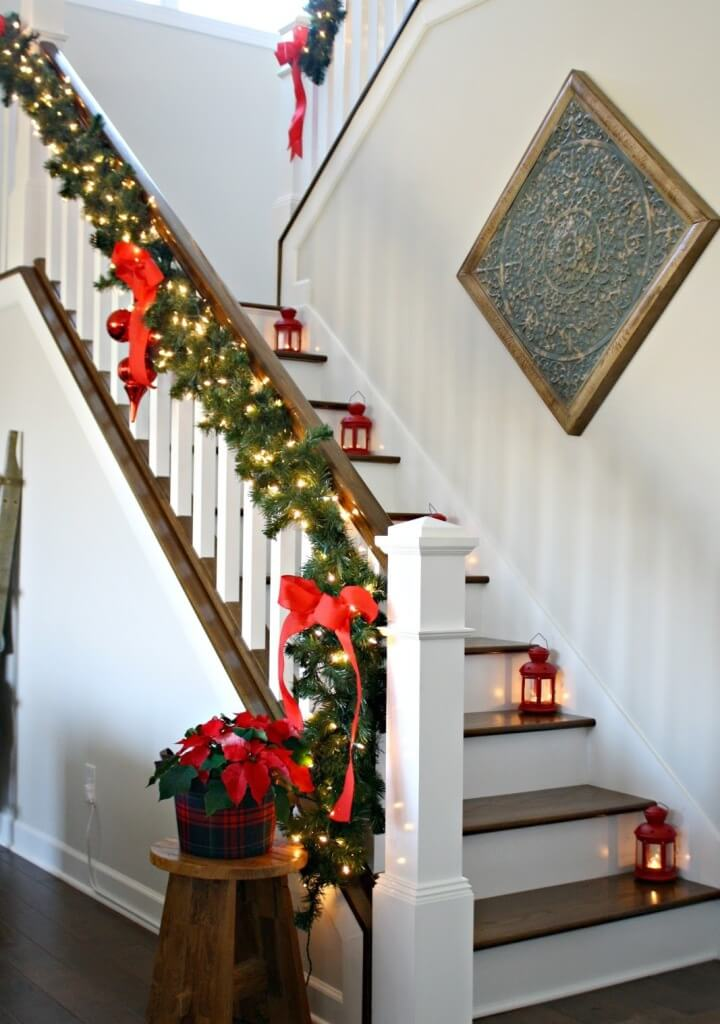 Simple red-green staircase decoration