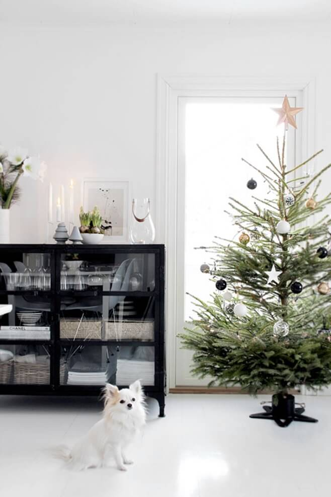 Black and white Nordic Christmas decor