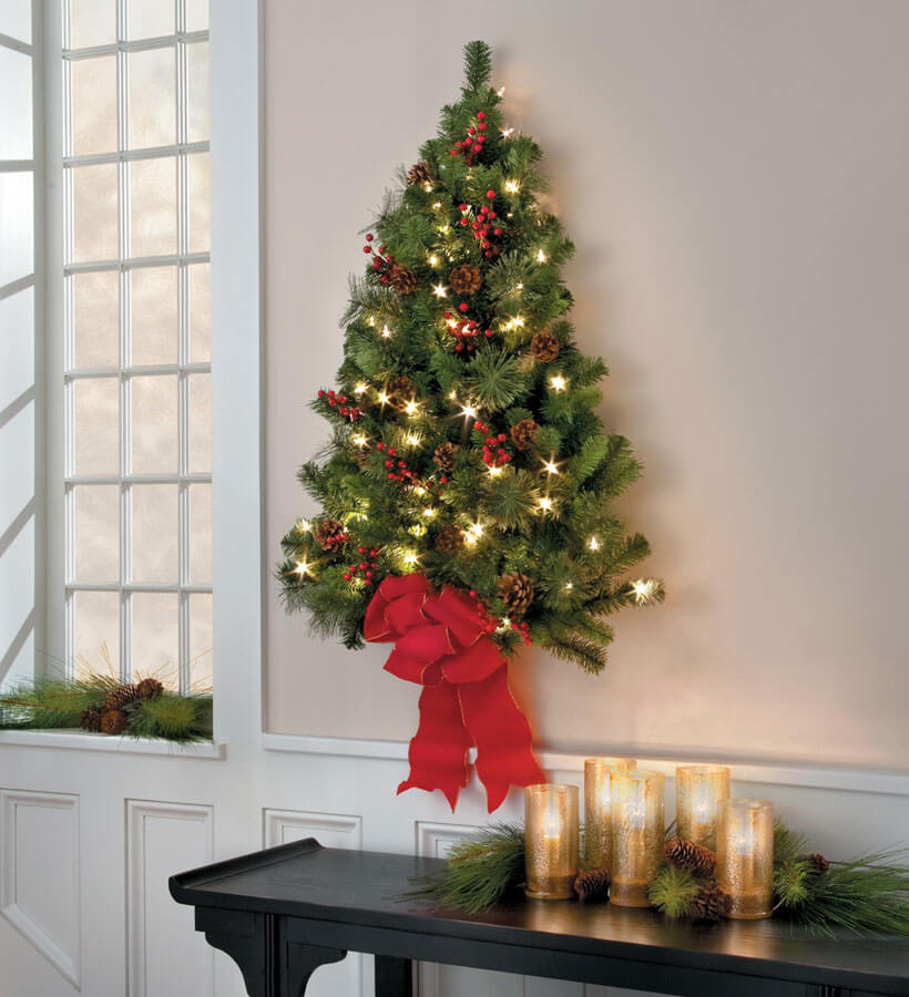 Festive wall Christmas tree decor