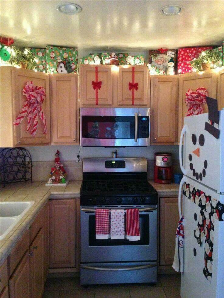 Traditional colors Christmas kitchen display
