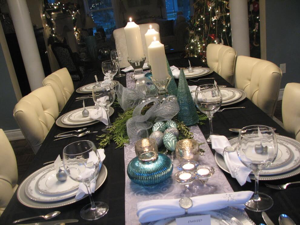 Wonderful candles Silver blue centerpiece