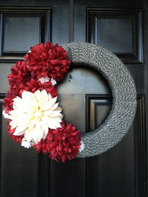 Modern red white and gray wreath