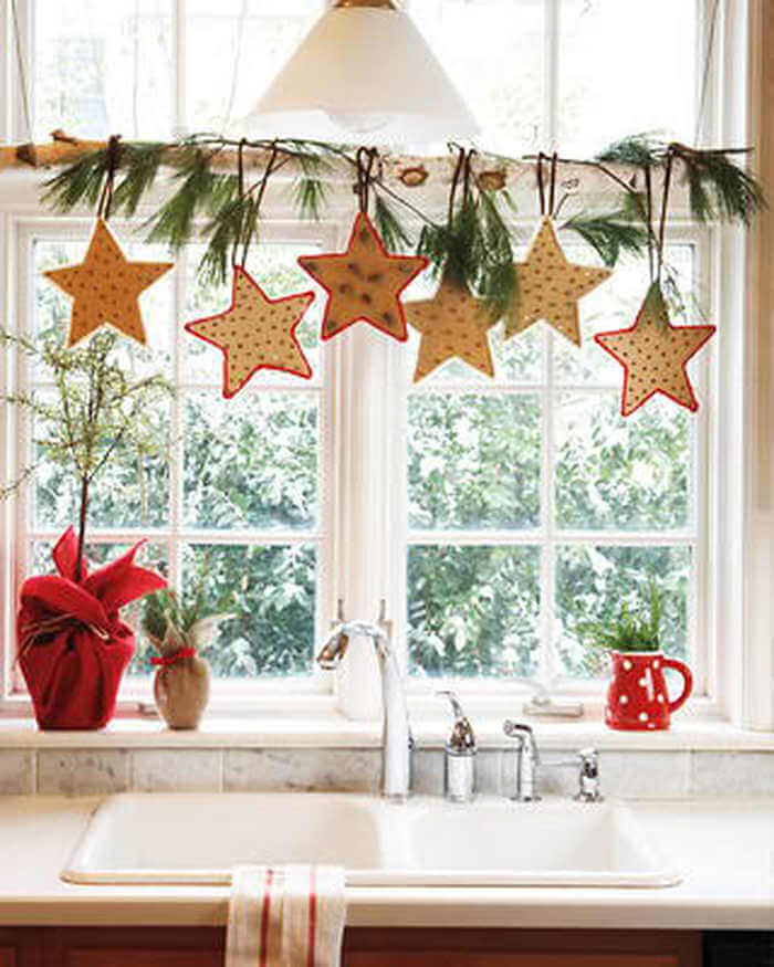 Christmas Window Decor With Paper Stars