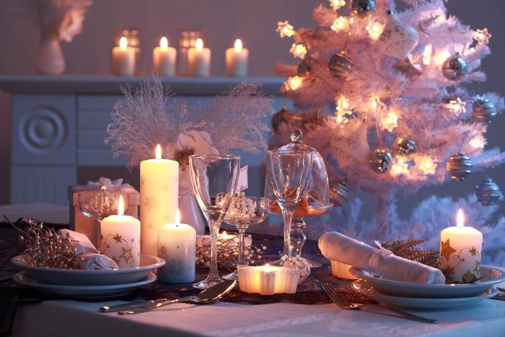 White Christmas Table Settings