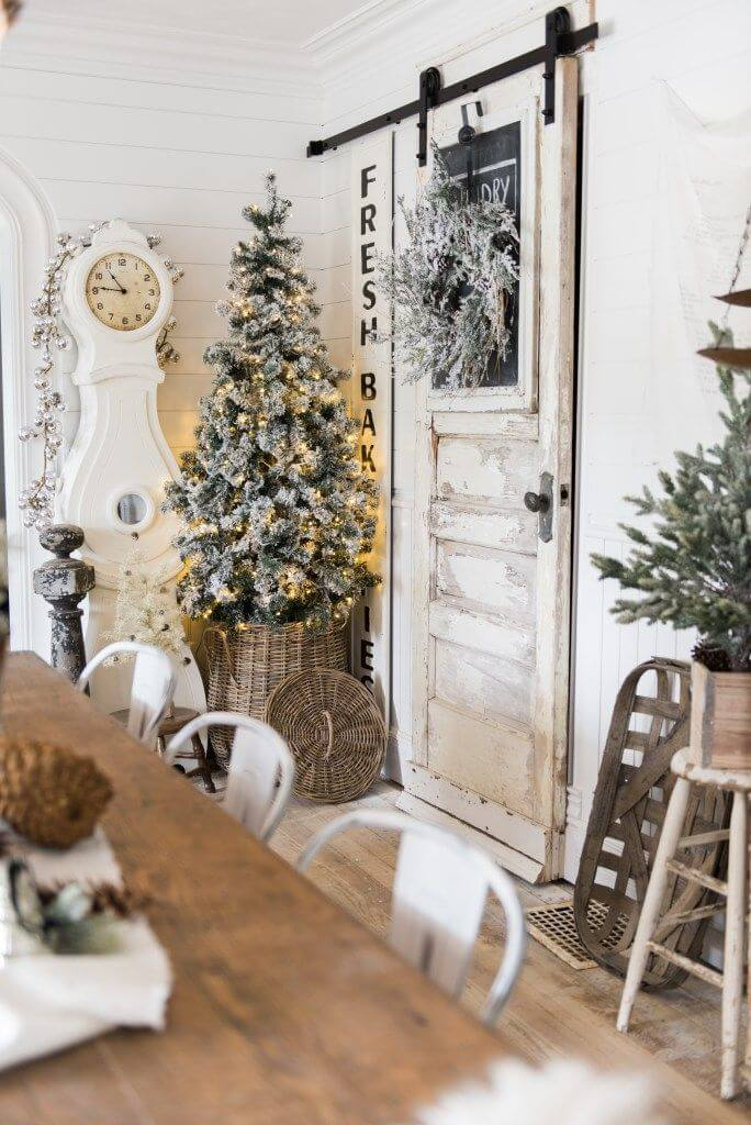 Farmhouse Cottage Rustic Christmas Decor