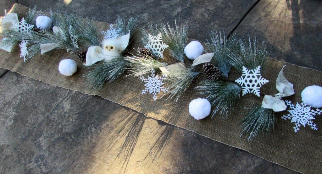 Rustic snowballs Christmas table table