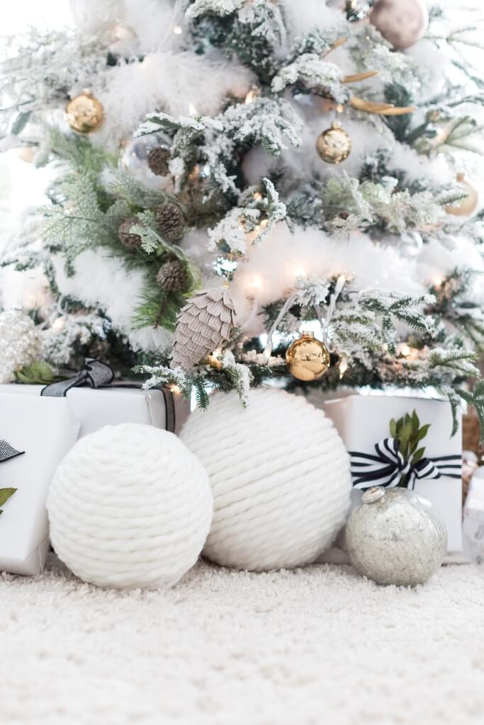 Giant Yarn Snowballs Christmas Decoration