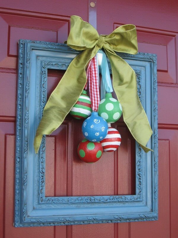 Pictureframe Christmas Ornaments Wreath