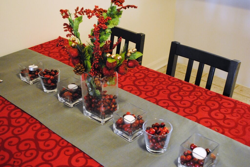 Fantastic Cranberry Christmas Tablescape