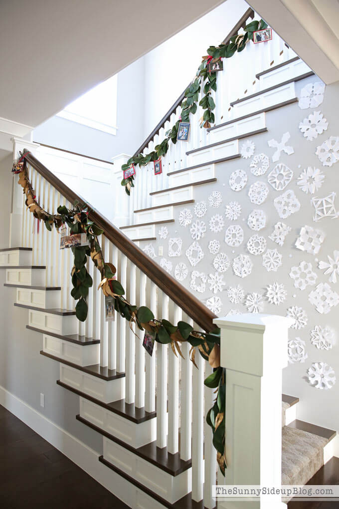 DIY Stairs Christmas Card Display
