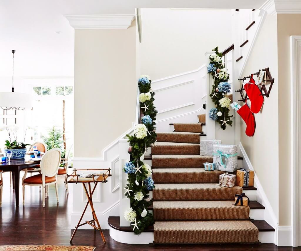 Coastal Christmas stairs decoration