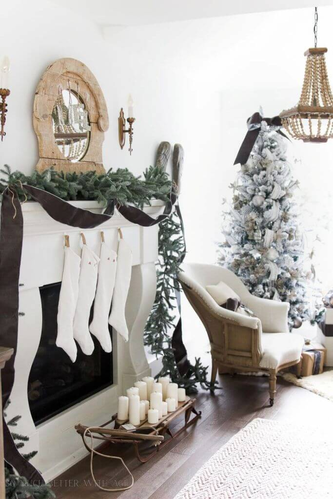Spruce Leaves Garland Coat Decor