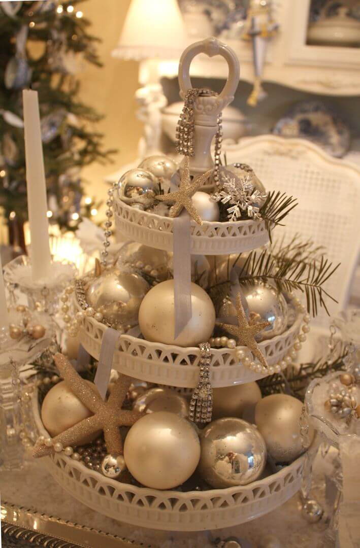 Coastal Christmas table centerpiece