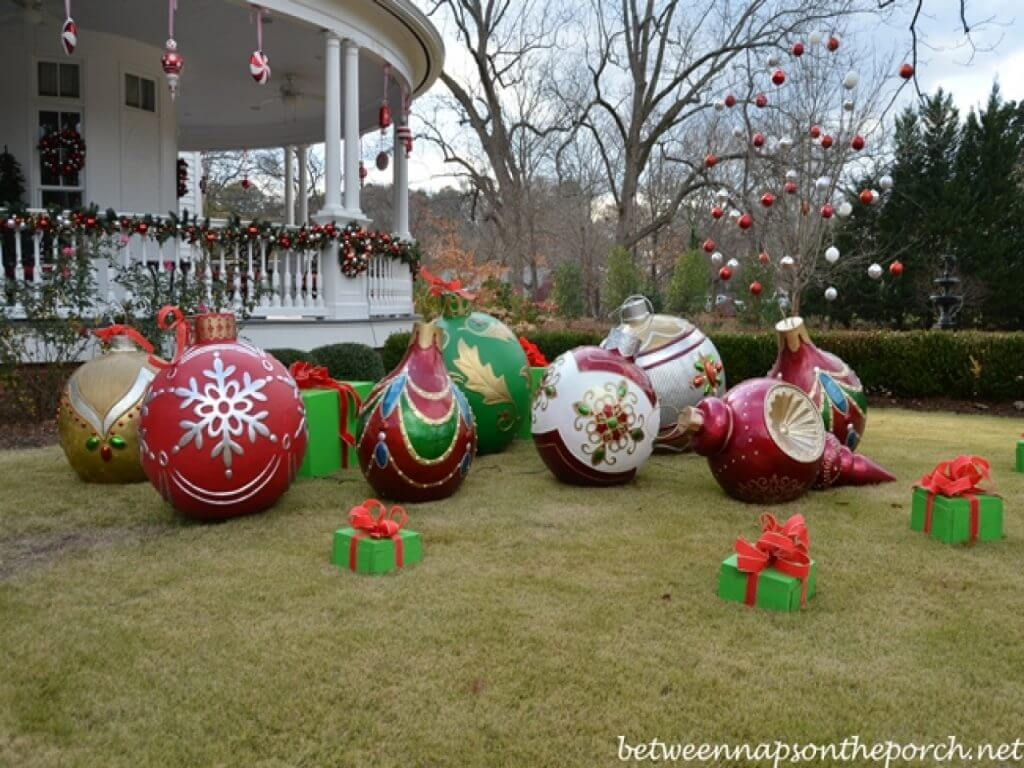 Giant Christmas Balls Yard Decoration