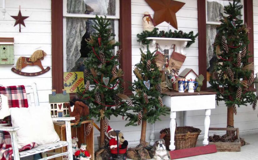 Outdoor vintage Christmas tree decorations