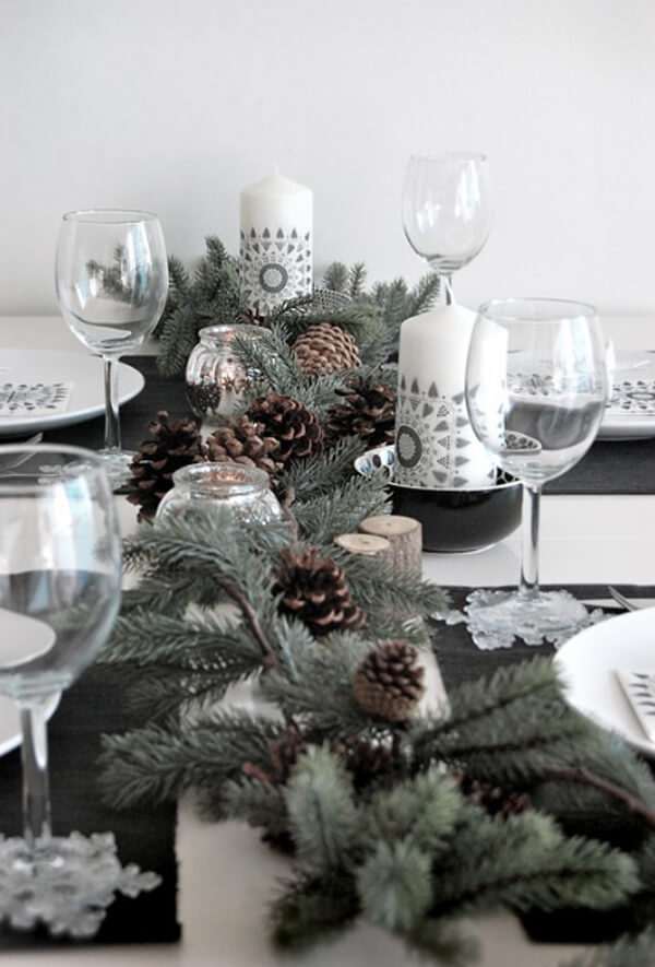 Fantastic rustic Christmas table setting