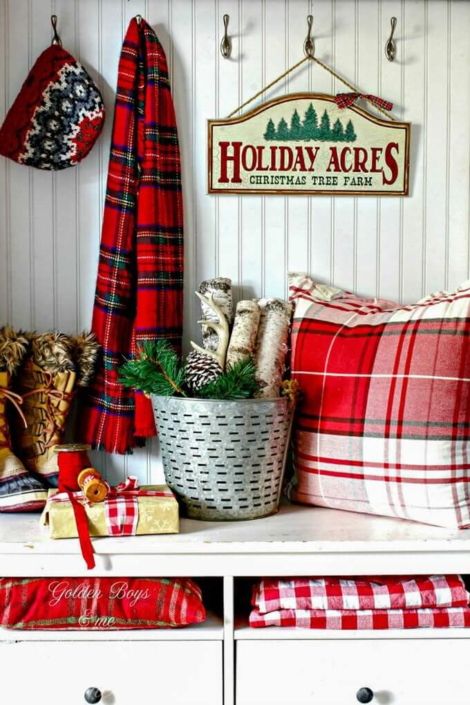 Plaid Christmas decoration for entrance