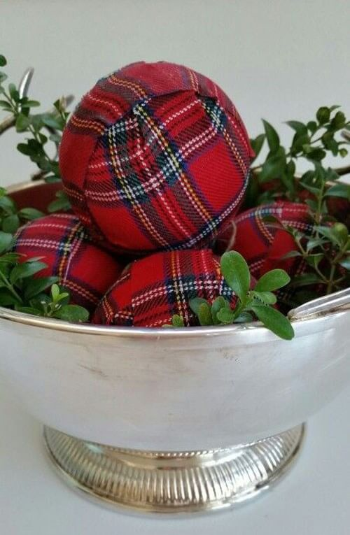 Farmhouse Style Tartan Christmas Centerpiece