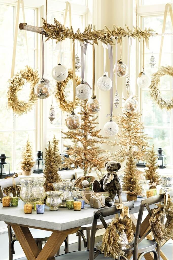 Dining Golden Theme Decor