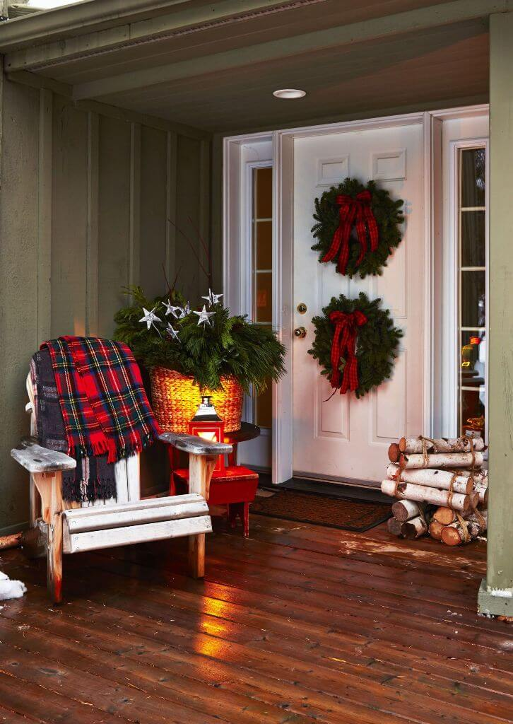 Pretty In Plaid Christmas Front Porch
