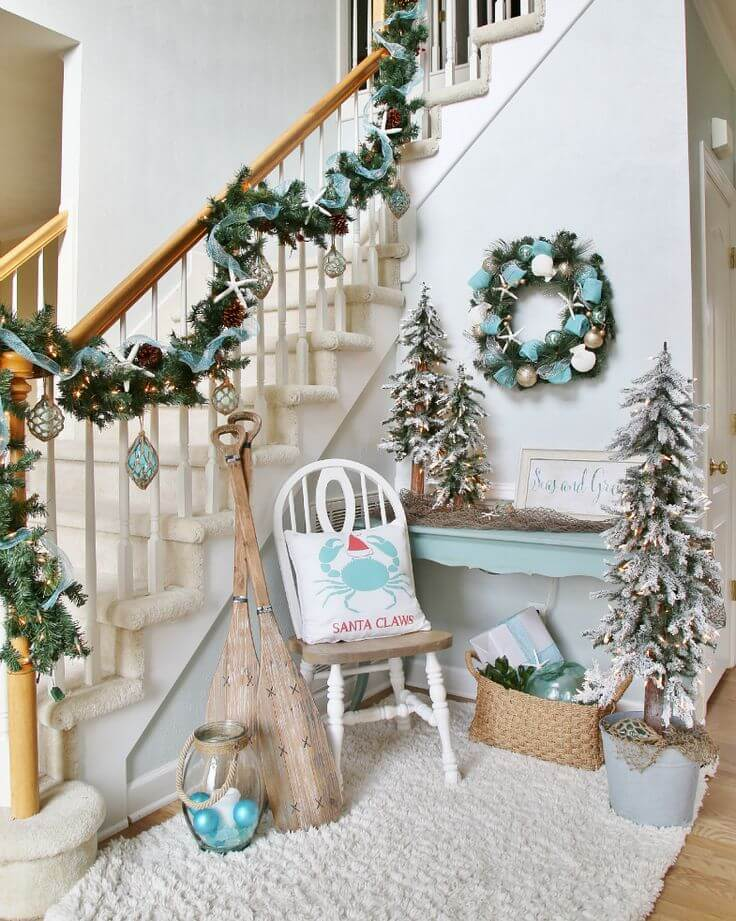 Staircase and entrance Coastal decor