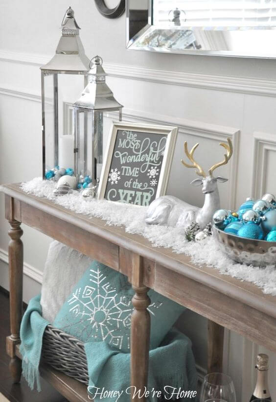 Coastal colors for Christmas table decor