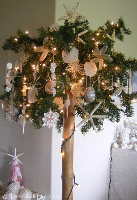 Unique Christmas tree for palm trees