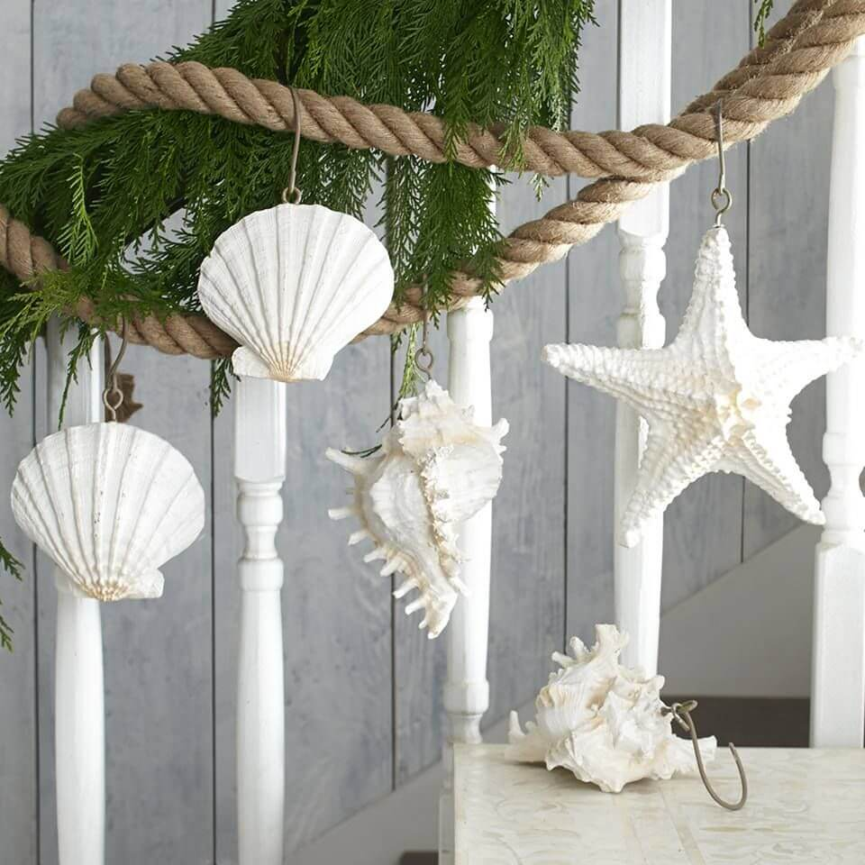 Seashells Christmas stairs decoration
