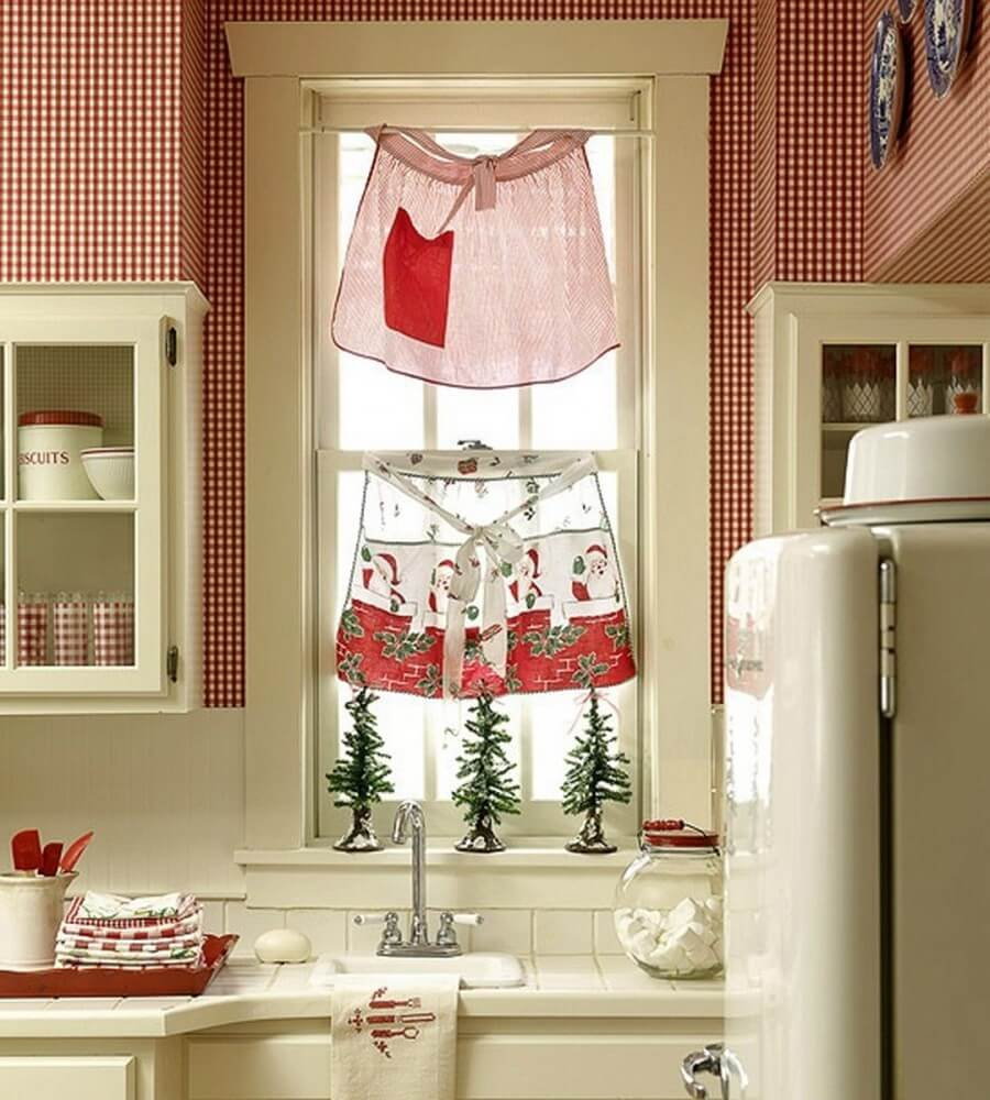 Adorable Christmas window decor