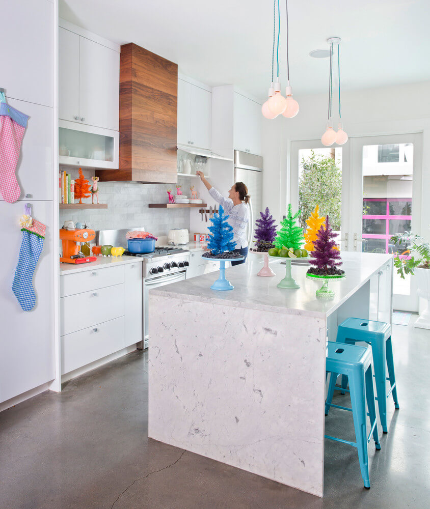 Colorful kitchen Christmas decor
